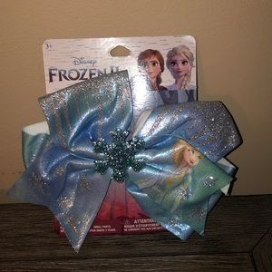 Disney Frozen II bow with snowflake NWT